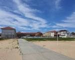 Отельный комплекс Бриз де люкс вид с пляжа фото