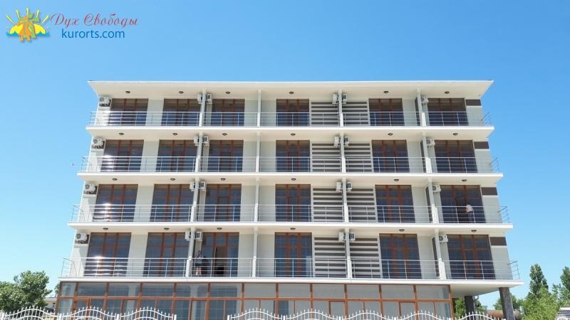 Отель La vita Al Mare (Алмаре)