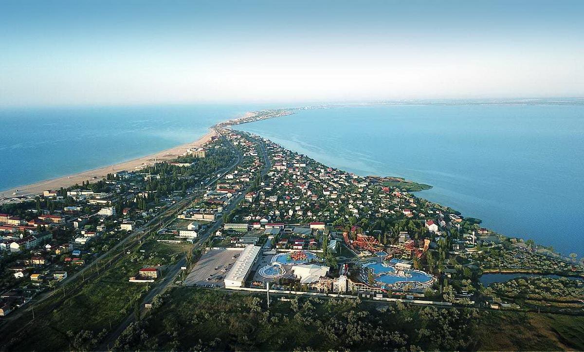 Аквапарк Затока станція Ліманська на березі Дністровського лімана вигляд с дрона фото